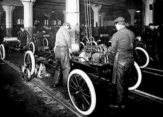 La fabricación en serie de un modelo Ford