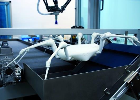 Este robot arácnido presenta un diseño muy pulido