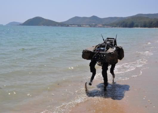 El Big Dog es un robot que imita a un cuadrúpedo