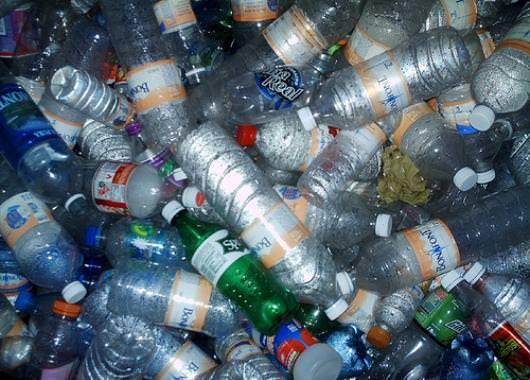 El plástico es obtenido del petróleo