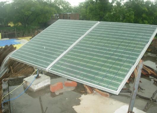 Pequeña planta solar