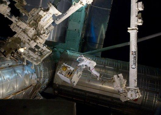Transportando el Dextre