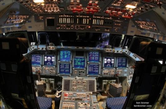 Cabina de control del Endeavour