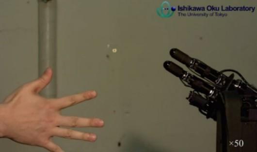 Piedra, papel o tijeras vs robot