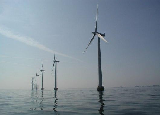 Turbinas eólicas en mar abierto