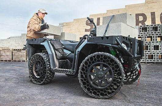 Sportsman WV850 H.O con ruedas no neumáticas