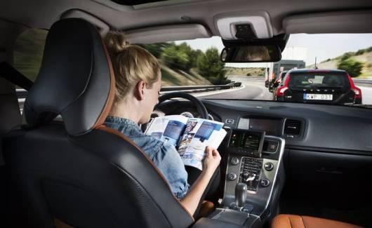 Volvo en búsqueda de la conducción autónoma